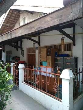 Di Jual Rumah di Jl. H. Syaip No.25 Gandaria Selatan, Jakarta Selatan