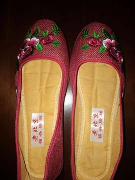 Sepatu etnik China