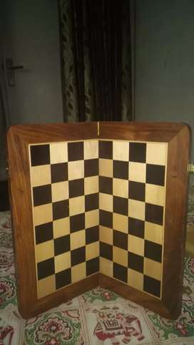 Beautifully Handcrafted Exotic Wood Chess men Set