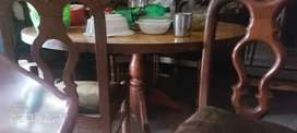 Table with 7 chair aproxly