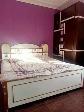 Fully furnished 2 Bhk flat at chitrakoot, vaishali nagar