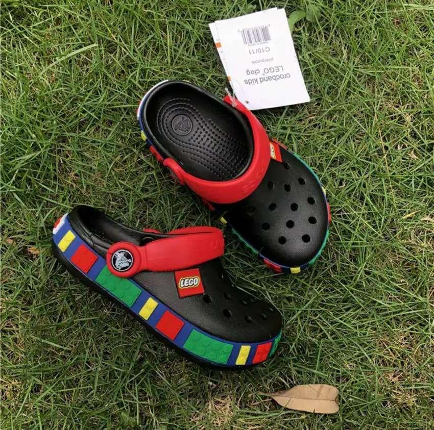 Crocs Lego Anak - Hitam