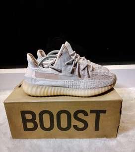 Sepatu Adidas Boost Yeezy 350 Synth by Kanye west