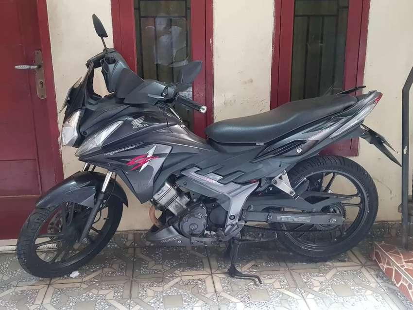 Honda CS 1 Hitam 2012 0