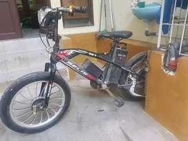 Sepeda listrik Thunder bmx selis