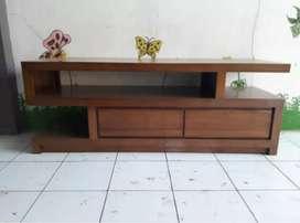 Rak meja tv bahan kayu jati.