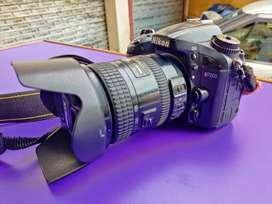 Nikon D7200 leans 18-200