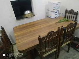Dining table with 6 chiers shimsham ki lakdi ki bni h