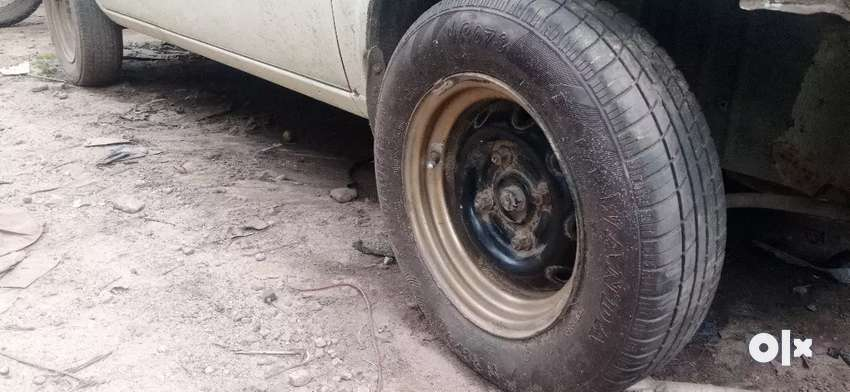 Wide rim for sale with good tyres