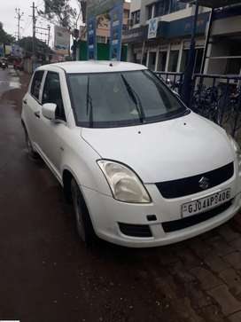 Swift L D I. 2011. insurance runing. First owner