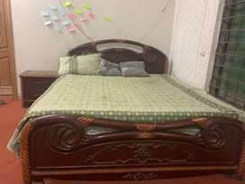 Sheesham bed set with 2 seater sofa , 2 side drawers , dressing table
