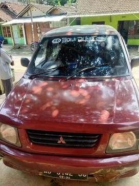 dijual mobil kuda tahun 2000 bahan bakar solar