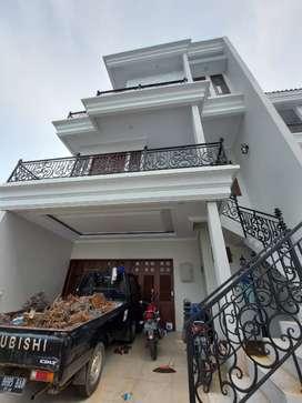 TOWN HOUSE MEWAH  jagakarsa