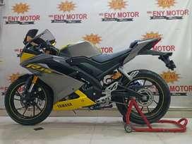 GLANCING YAMAHA R15 V3 DARK YELLOW  KM 7RB- ENY MOTOR