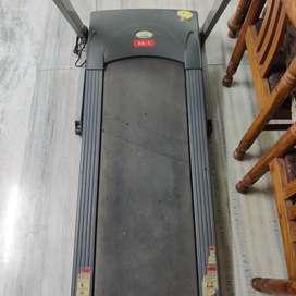 Treadmill - Fitness World - A Brand