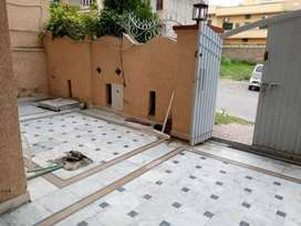 Upper portion for rent in pwd