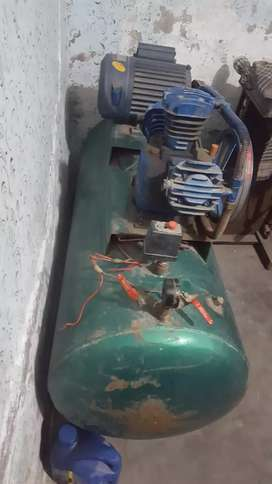 Air compressor for urgent sell.
