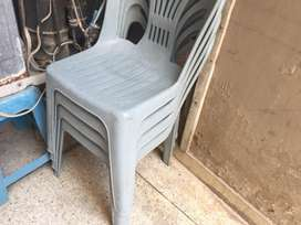 3 Chair 1 Stool availabLe