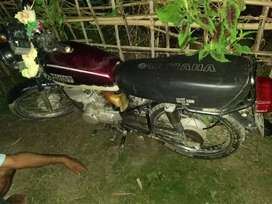 Yamaha rx 100 very well maintained..5speed