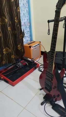 Dijual gitar masih mantap