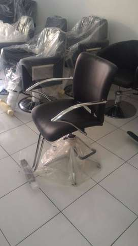 kursi salon hitam gagang stainless