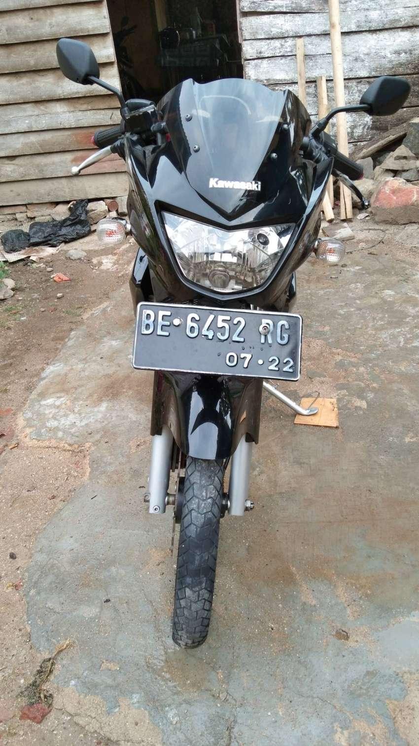 Kawasaki ninja r 2012 0