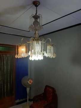 Lampu gantung crystal