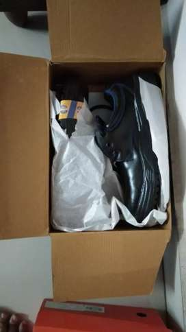 Safety shoes for sale size 9 brand new