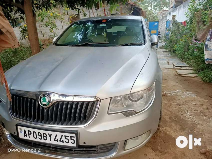 Skoda Superb 2010 Petrol automatic Top end model with Sunroof