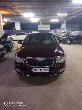 Skoda superb 2011 petrol Automatic with sunroof