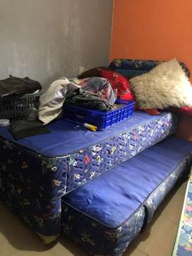Tempat tidur tingkat untuk anak anak