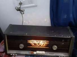 Antique old radio