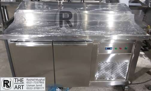 Pizza Preparation table, Table with undercounter chiller