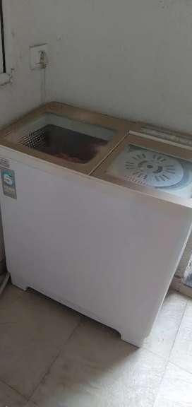 Godrej semi automatic washing machine