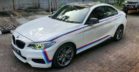 BMW M235i, White on Red