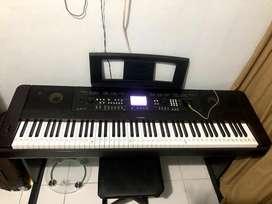 Piano dgx 650 kondisi bekas