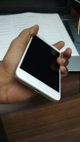 Single hand use, in Good condition and 3 gb Ram,