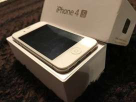 Marvelous condition of apple i phone 4s 16 GB comes with exciting offe