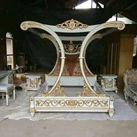 Tempat tidur kanopi duco kombinasi gold