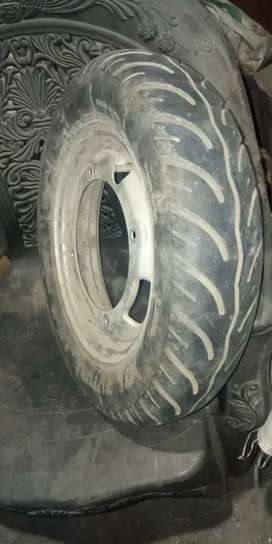 Tyre tube and rim