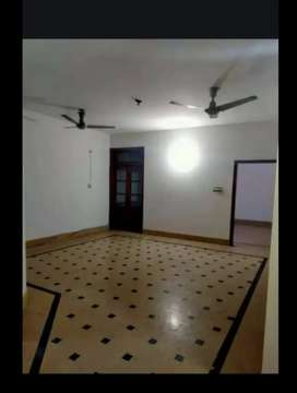 Beautiful 240yrd 3bed dd separate portion vip blck 15 guliistan johar