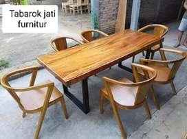 Meja makan retro solid moderen & elegan, K.6. Bahan kayu jati tua asli
