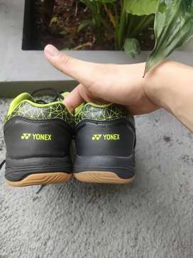 Sepatu Yonex Uk 42