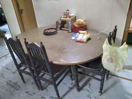 6 seater dining table but only 3 chairs available