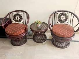 Atieq chairs and table for sale