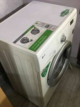 LG Washing Machine Fully Automatic Front Loading 6 kg Model : F1256NDP
