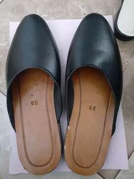 Sandal selop pria dan wanita