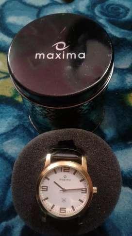 Maxima golden watch