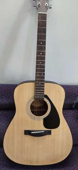 Guitar yamaha f280