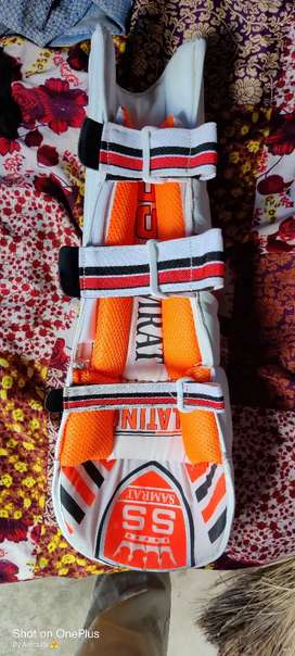 This cricket pad is also good condition